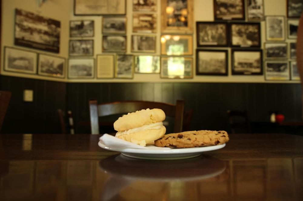 whangamomona-cookies
