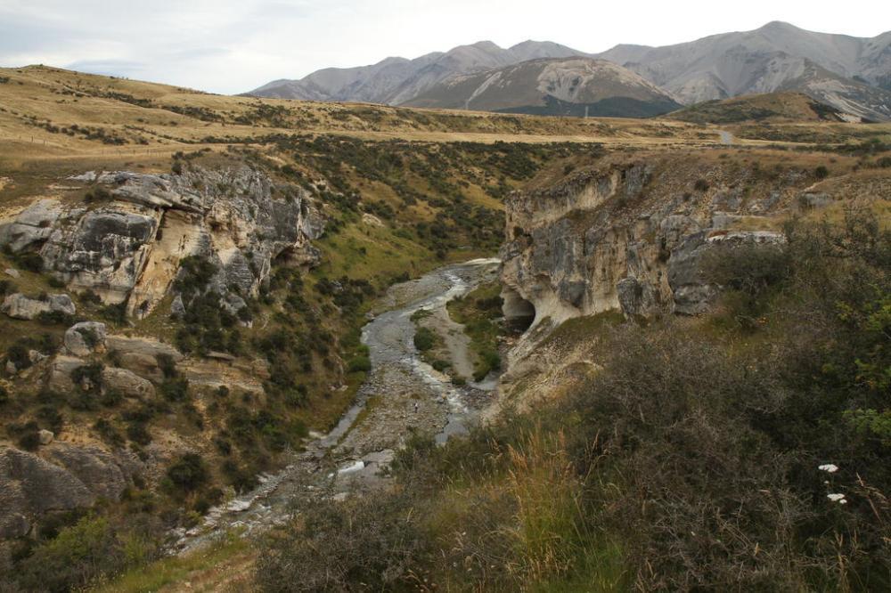 cave-stream-von-oben